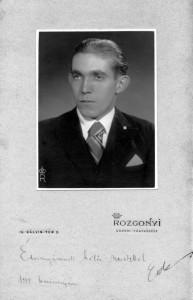 1935 - anyjának dedikált arckép
